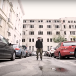 "Omu Gnom feat. Mihnea Blidariu. Sau ""Lux""ul de a fi Român"